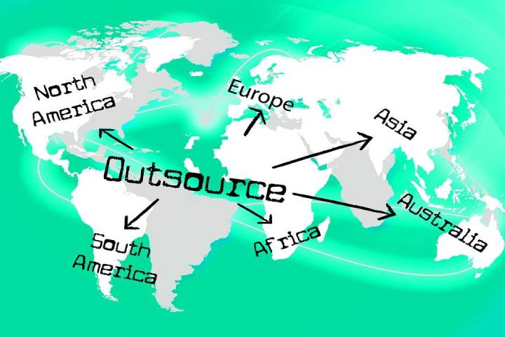 Nearshoring vs Offshoring: What Is Better for Your Company