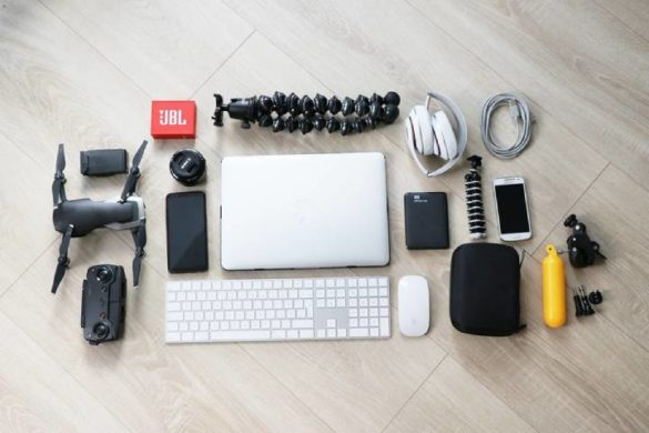 Top helpful gadgets to survive in college this year