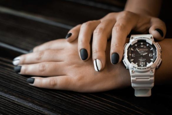 the ladies wrist watches come in a variety of styles