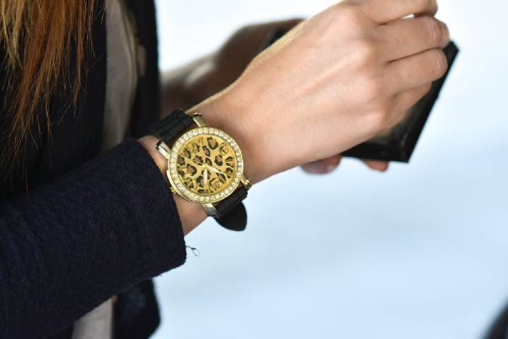 Appreciate Your Woman With A Classy Rolex Watch Gift