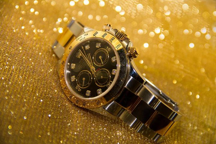Lady Datejust 28mm Yellow Gold Automatic Silver Dial Diamonds